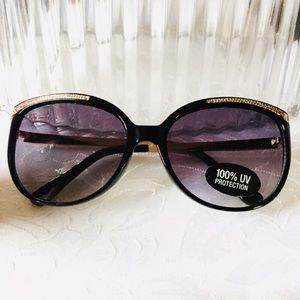 Liz Claiborne Circular Gold Black Sunglasses
